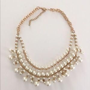 Faux gold and pearl necklace